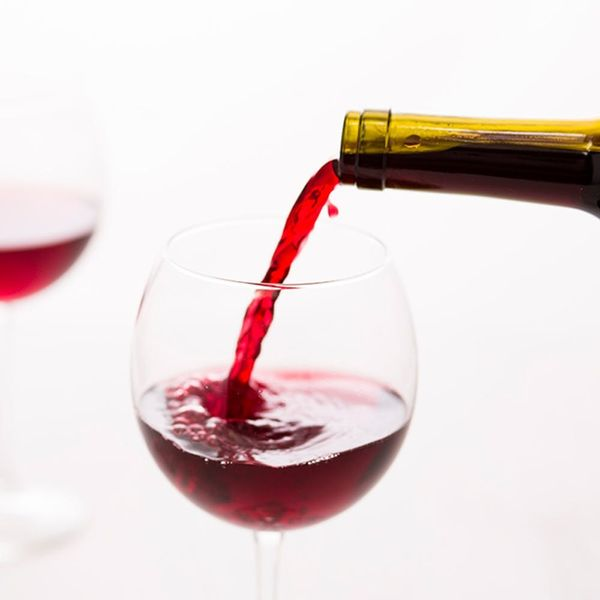 7 Unexpected Health Benefits of (YAY) Drinking Wine