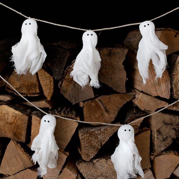 12 DIY Garlands to Hang Up for Halloween