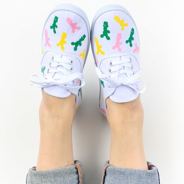 What to Make This Weekend: Cactus Sneakers, a Placemat Clutch + More