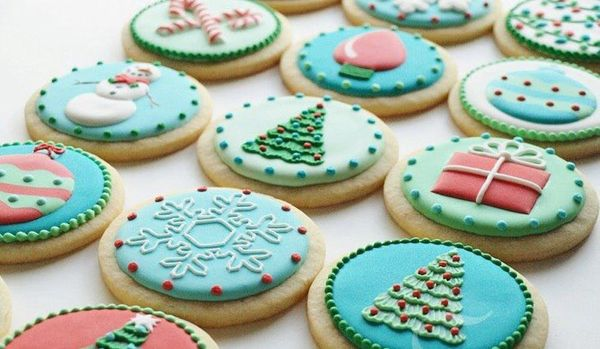 10 Ways to Decorate Your Christmas Cookies Like a Pro - Brit + Co