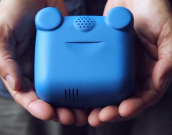 This Wearable Monitors Air Pollution
