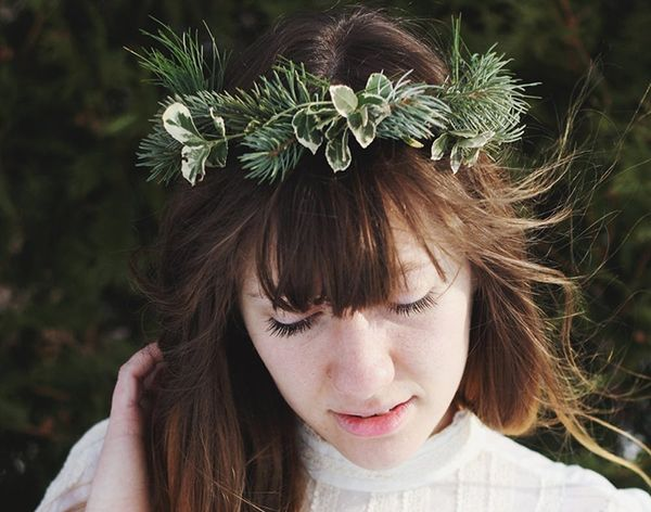 16 Holiday Hair Accessories to DIY