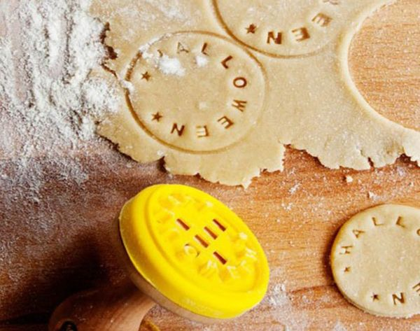 11 Tips + Tools for Holiday Cookie Decorating