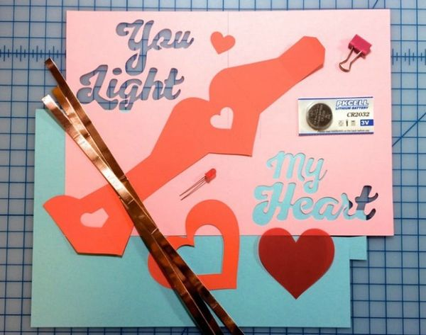 Make High Tech Holiday Cards With This DIY Kit