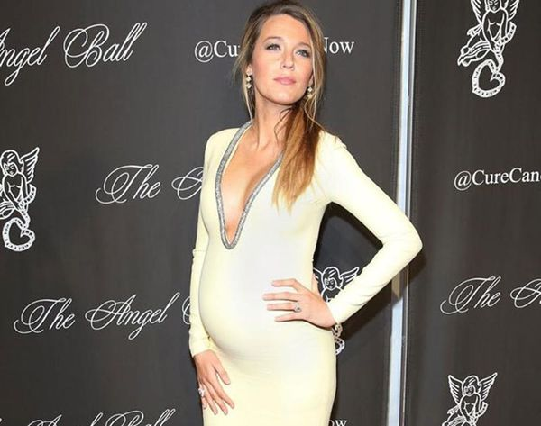 20 Red Carpet Maternity Looks to Copy This Holiday Season