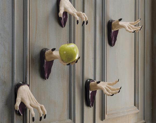 11 Spooky Ways to Decorate Your Door for Halloween