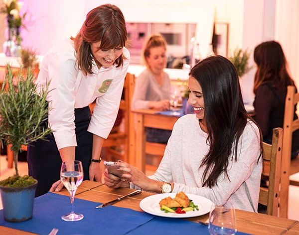 Whoa! Where You Sit in a Restaurant Could Affect Your Health