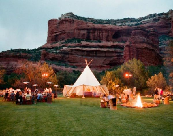 25 Wedding Tents to Party Under