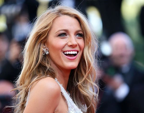 Blake Lively Is Pregnant… And Her Bump Photo Is Stunning!