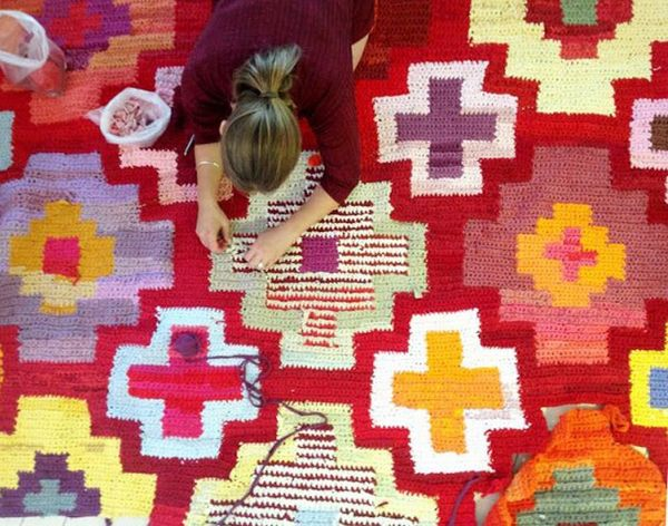 21 Colorful DIY Rugs for Every Room in Your Home