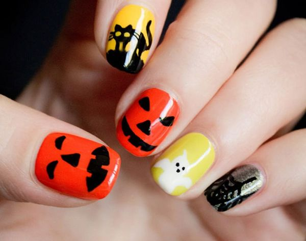 19 Ways to Dress Up Your Nails for Halloween