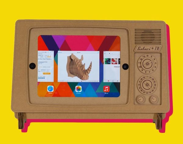 How to Turn Your iPad Into a Retro TV With Cardboard