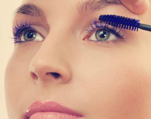 15 Clever Makeup Tricks to Make Your Lashes Pop