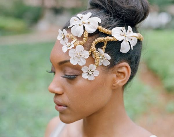 15 Gorgeous Hair Accessories to Stun on Your Big Day