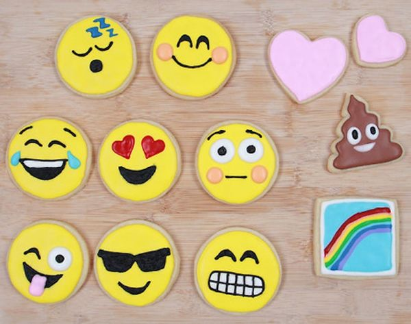 How to Make Emoji Cookies *Insert Dancing Ladies*