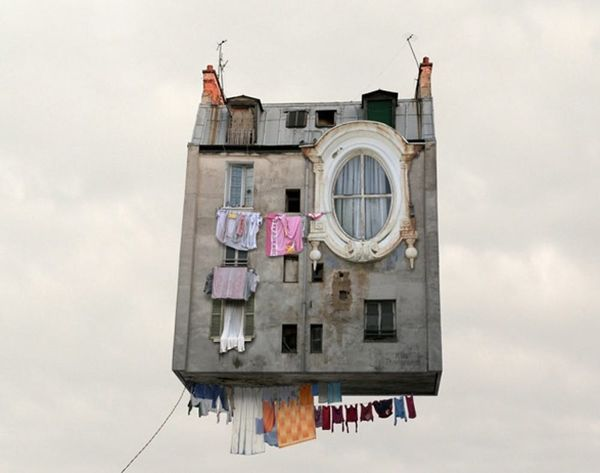 """These Flying Houses Take """"Up"""" to Super Artsy Levels"""