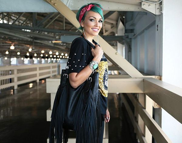 10 Beauty Essentials to Keep in Your Purse According to Kandee Johnson