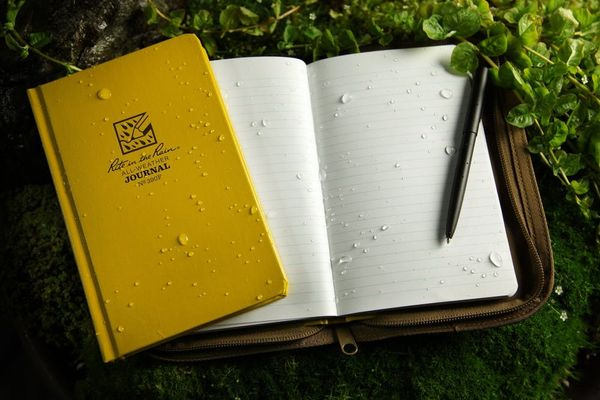 Write in the Rain With This Waterproof Paper