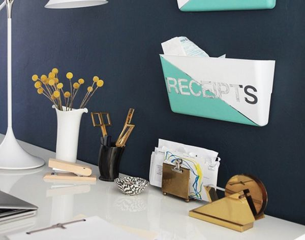 17 DIY Projects to Organize Your Workspace