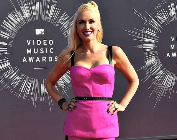How to Wear the 19 Hottest Looks from the VMAs Red Carpet