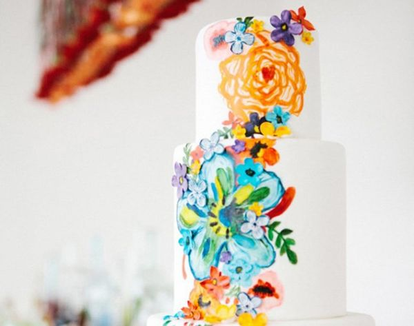 23 Wedding Cakes Decorated With Flowers