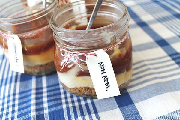 Make This No-Bake Salted Caramel Cheesecake Recipe… in a Jar!