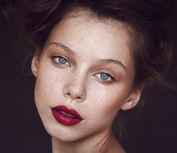 20 Gorgeous Vampy Lips to Try This Fall