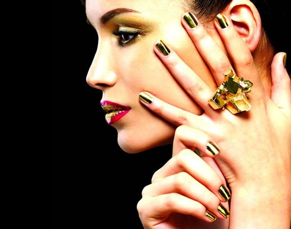 How to DIY Your Own Nail Wraps