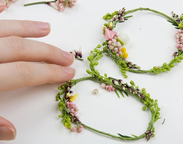 Made Us Look: An Entire Typeface Made of Fresh Flowers