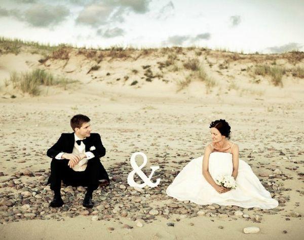 13 Beach-Inspired Wedding + Engagement Photos