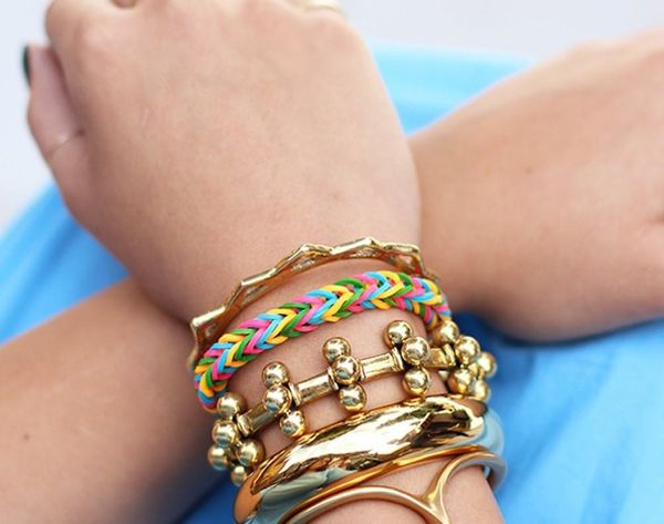 16 Grown-Up Rainbow Loom Projects