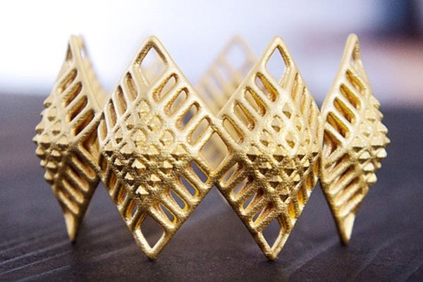 21 3D Printed Gold Jewelry and Accessories We Want Now