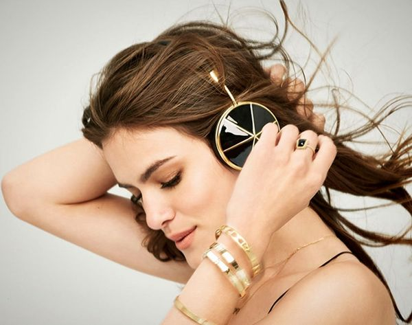 15 Gold Tech Accessories to Bring Bling to Your e-Things!