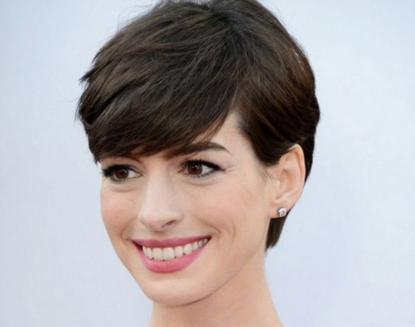 10 Pretty Ways to Grow Out Your Pixie Cut