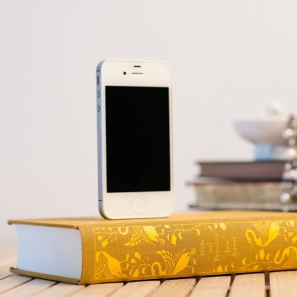 11 Must-Have Gadgets for Book Lovers