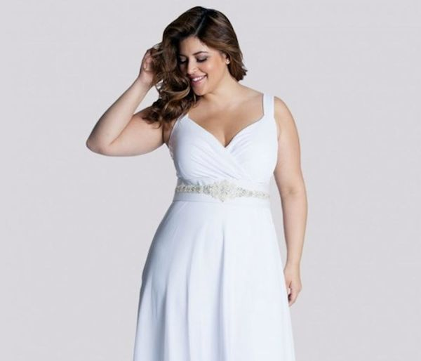 The 10 Best Brands for Plus-Size Wedding Dresses