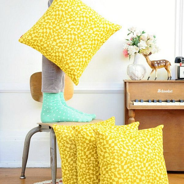 12 Throw Pillows to Get You Ready for Spring