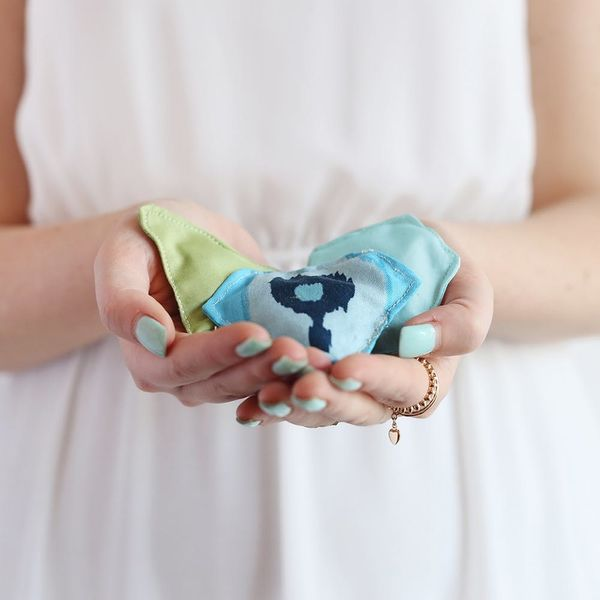 DIY These Cute Hand Warmers in Less Than 5 Minutes