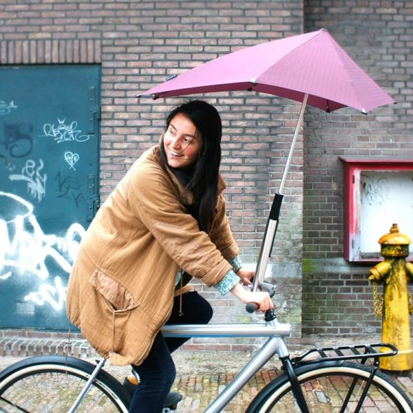 Bikers, There's Now an Umbrella for Your Bike
