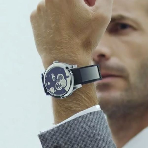 Whoa! This Band Turns Any Watch into a Smartwatch