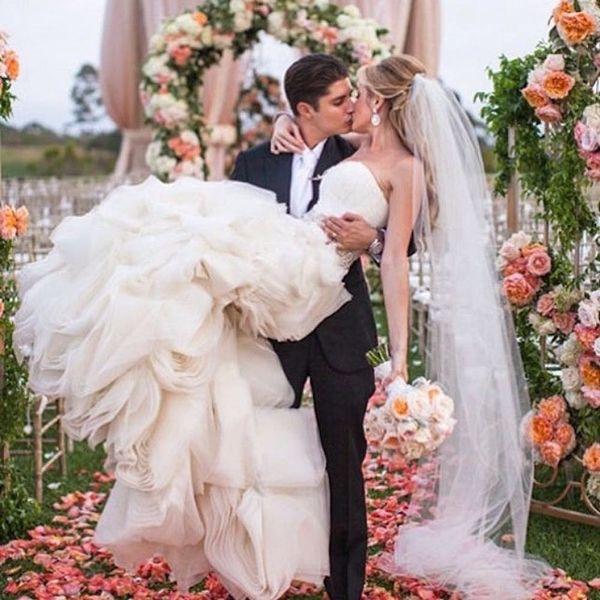 15 Wedding Planning Instagrammers Worth a Follow