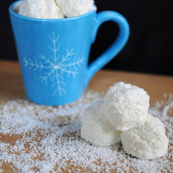 Catch! 15 Snowball-Inspired Treats to Make This Winter