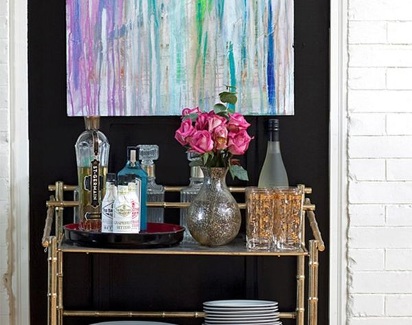 10Superstar Styling Tips for the Perfect Bar Cart