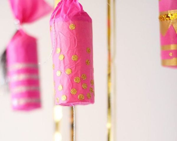 Get Crackin' With These 12 DIY Holiday Crackers