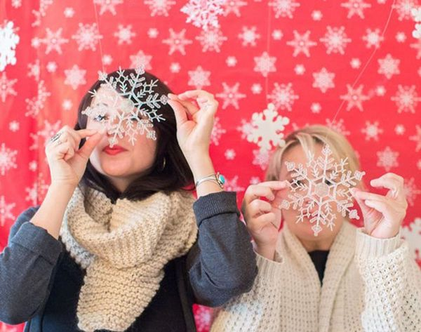 'Tis the Season to Smile: 15 Holiday Photo Booth Ideas