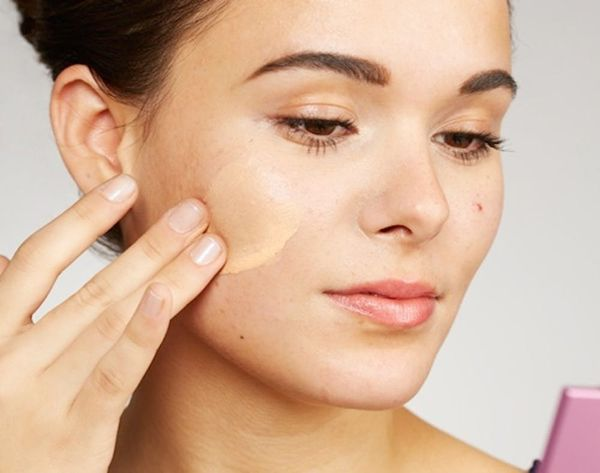 12 Sneaky Secrets for Covering up a Blemish