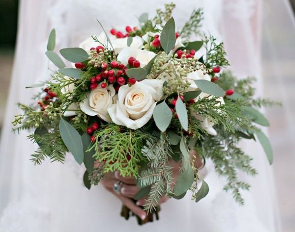 15 Beautiful Bouquets for Your Winter Wedding