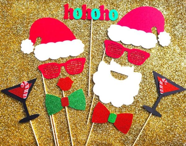 18 Festive Props for Your Holiday Photo Booth