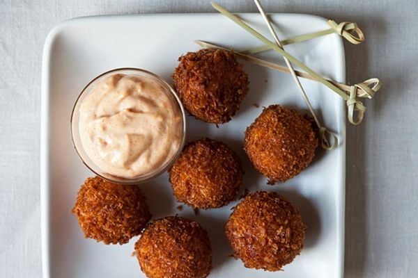 Kick Off Your Super Bowl Party Right: 22 Tasty Appetizers