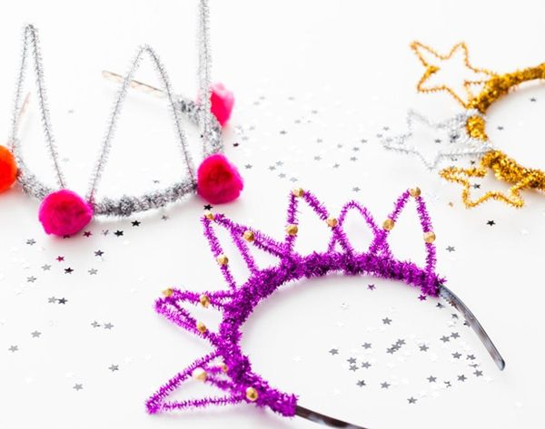 DIY Basics: Pipe Cleaner Party Crowns for New Year's Eve